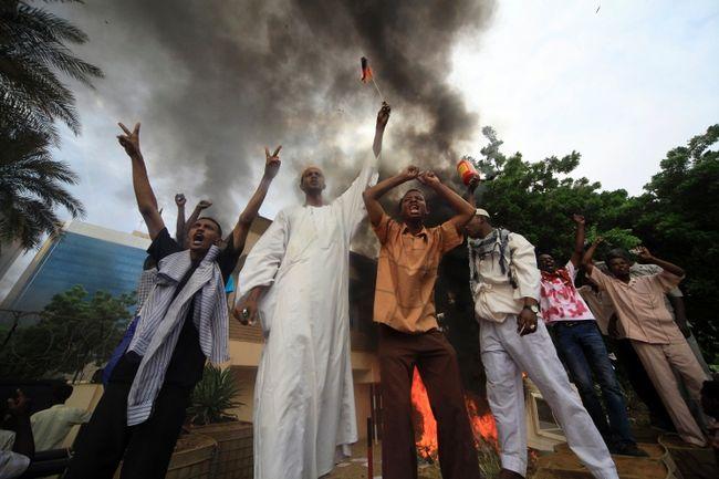Attacks on embassies spread in wake of anti-Islamic film
