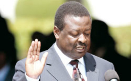 The mis-learning of Musalia Mudavadi, copying 2002 mistake