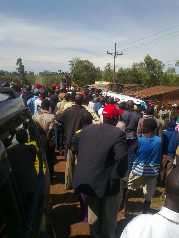 Tens of supporters welcome TNA brigade in Ndhiwa.