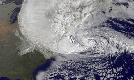 Hurricane Sandy strengthens as it bears down on US east coast