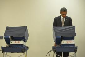Barack Obama casts ballot in Chicago in push to secure early voters