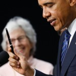 Obama intensifies call for fiscal cliff plan as GOP starts to break ranks
