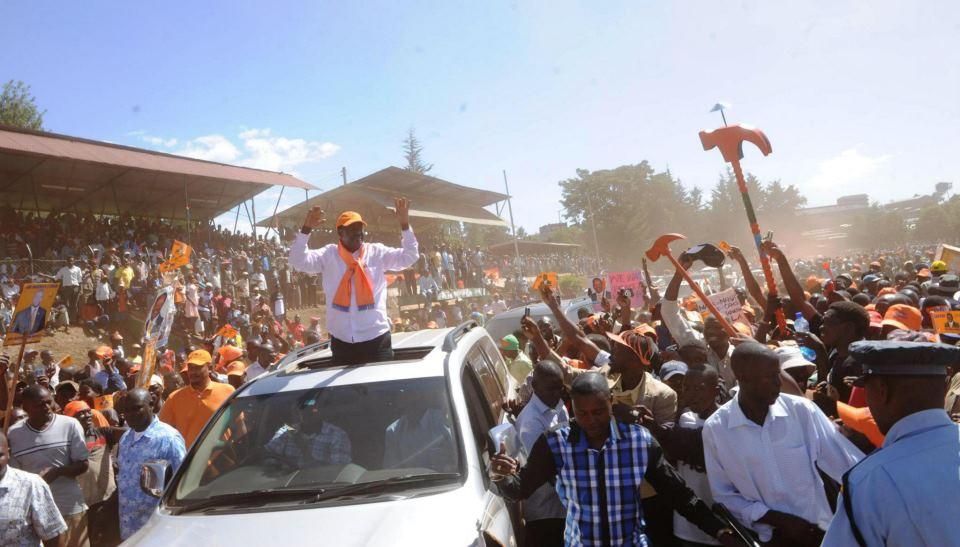 Raila gets amazing reception in Kericho