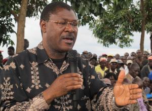 Video: Wetangula Aims at Kenyatta For Land Grabbing