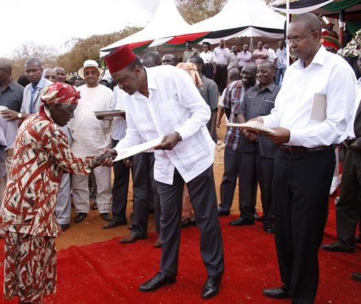 Desperate To Win, Uhuru HOODWINKS Squatters with Empty Promise of Land