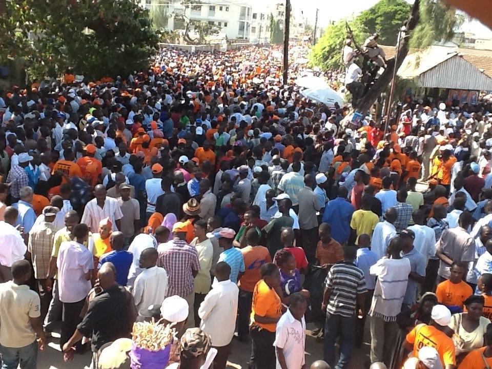 Live Pics From Tononoka; Crowd building Up For The CORD Rally