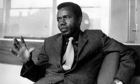 Chinua Achebe Obituary