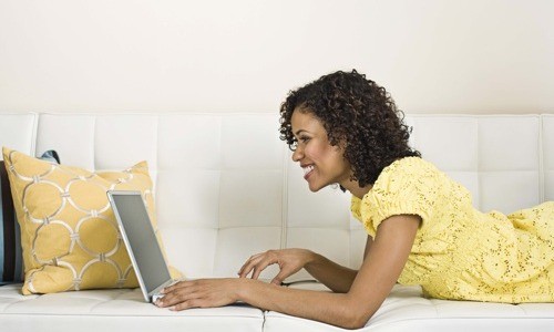 Should I tell My Girlfriend That I'm Addicted To Flirting Online?