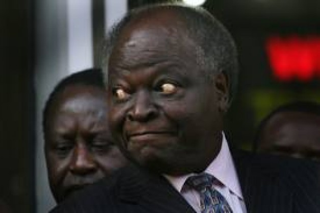 Kibaki and VP Kalonzo EMBARRASSED At Matiba Requime Mass For Supporting His Torture By Moi Regime