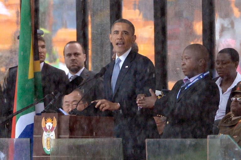 Shocking: Mandela memorial sign language interpreter a 'fraud'