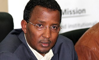 EMBARASSING: IEBC now APOLOGISES to Raila over Isaack Hassan empty threat to ban Raila in 2017 Elections