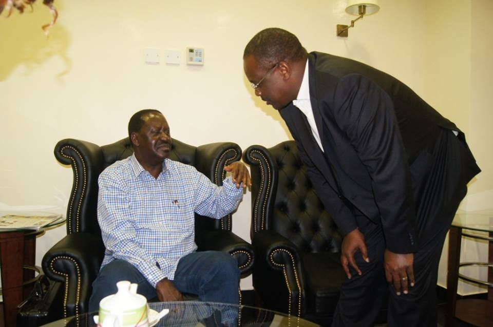 When Kidero was a good a boy, serving baba Tea  and much more LOL