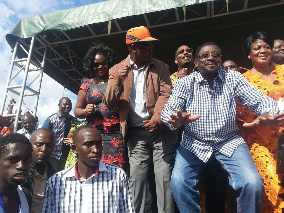 AMAZING: Ever YOUNG hon James Orengo calls on Uhuru to sack his INCOMPETENT TRIBESMEN