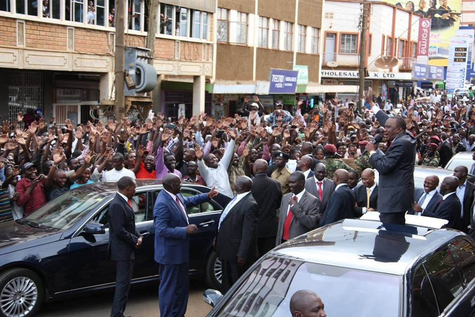Ruto ABANDONS Uhuru's trip to Eldoret, UK gets warm reception from hawkers as natives kept a way