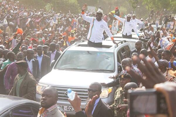 Raila got a super hero's WELCOME by 1 million Kenyans as Ruto leads propaganda to discredit the rally