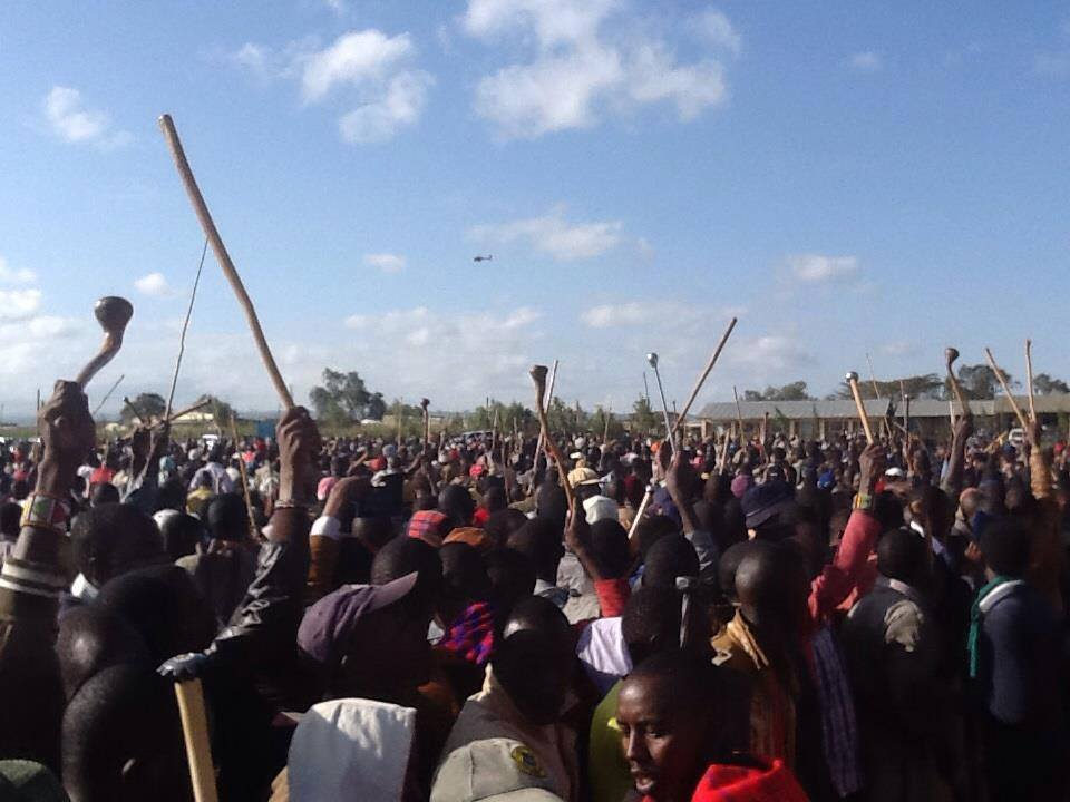 Peoples' LEADER Raila Arrives to A SUPER RECEPTION by Masai tribesmen and Women  at Ntulele grounds