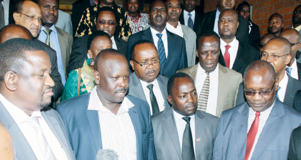 Uhuru Shocked: List of counties whose governors already SIGNED FOR REFERENDUM