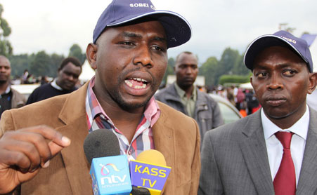 Ruto's man Hon Murkomen BLASTS Uhuru SURROGATES on REFERENDUM