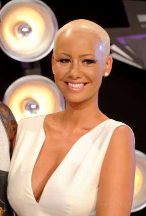 HERE are HOT pictures of Amber Rose's Boobs, Butt And Golden Body
