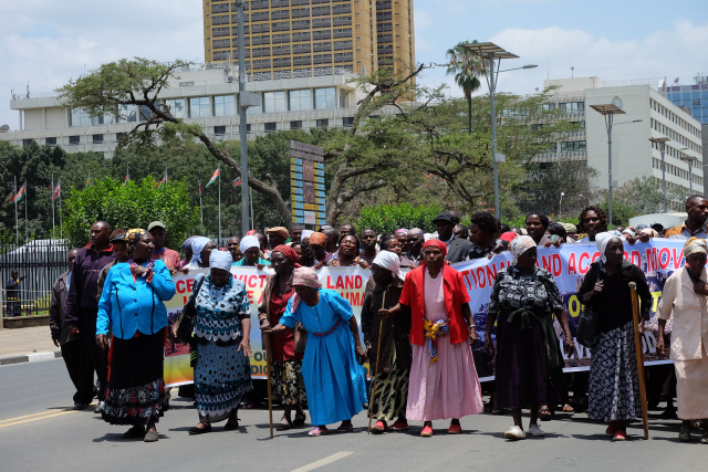 Kikuyu grannies demonstrate in Nairobi to protest land evictions in Kiambu