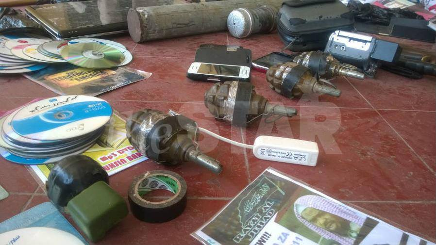 BREAKING: Police RAID Mosque in Mombasa and got SHOCK of WEAPONS inside