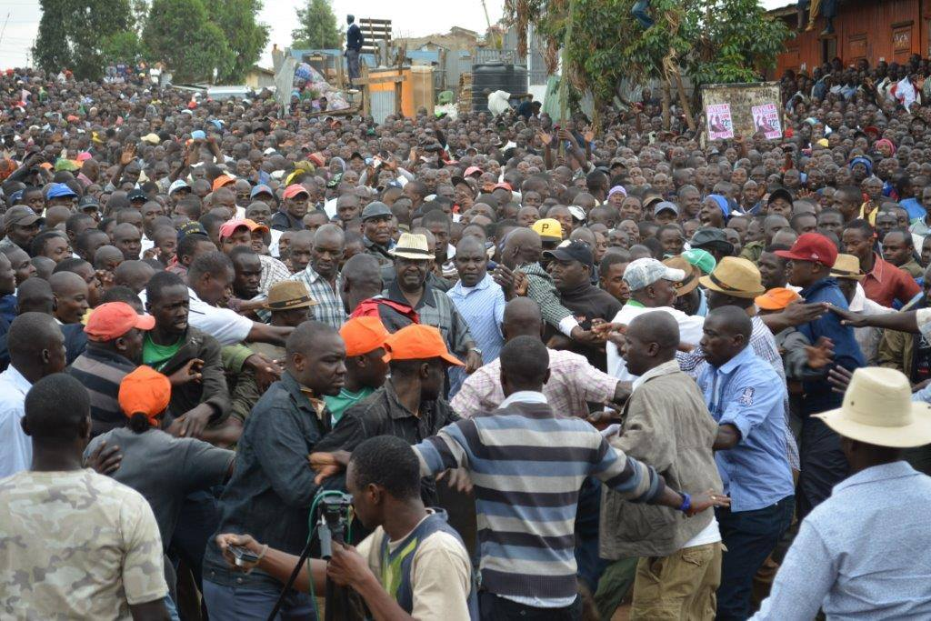 AMAZING: Raila's Kibera visit NEVER REPORTED by Media SHAMES Uhuru's Propaganda machine