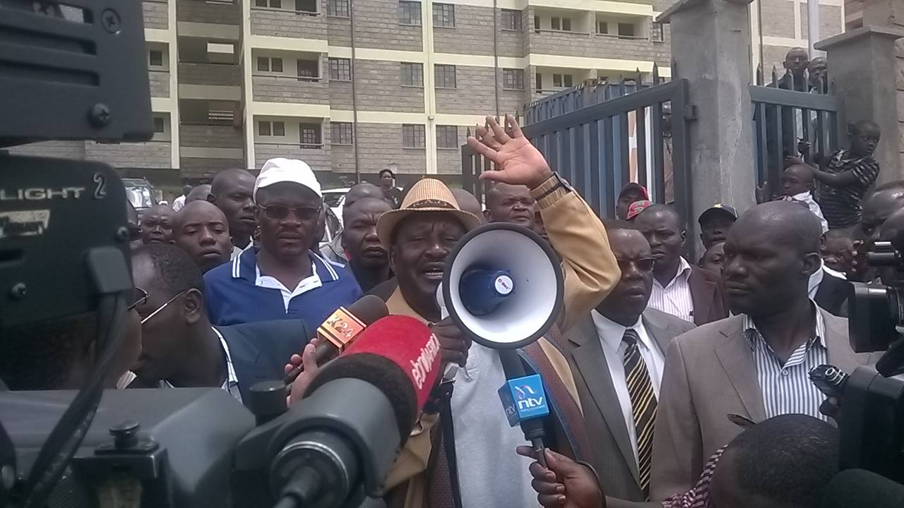 BREAKING: Raila goes to Kibera to CONFIRM his development, Uhuru and Waiguru MUST do more to outshine Raila