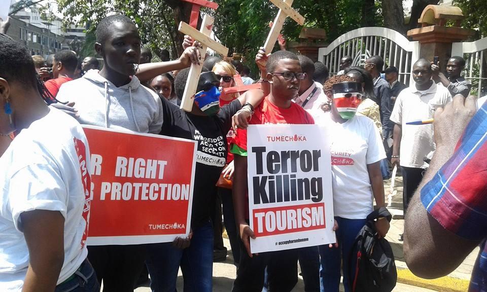 CORD's Boni Khalwale JOINS the MASS PROTEST against Uhuru Kenyatta, Mandera BUS MASSACRE