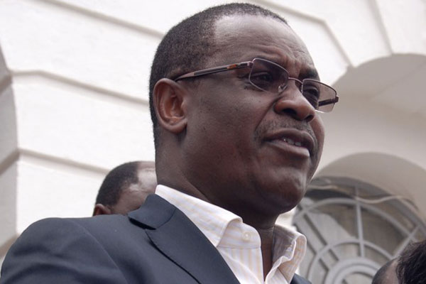 Kidero heckled in Kajwang' body viewing ceremony